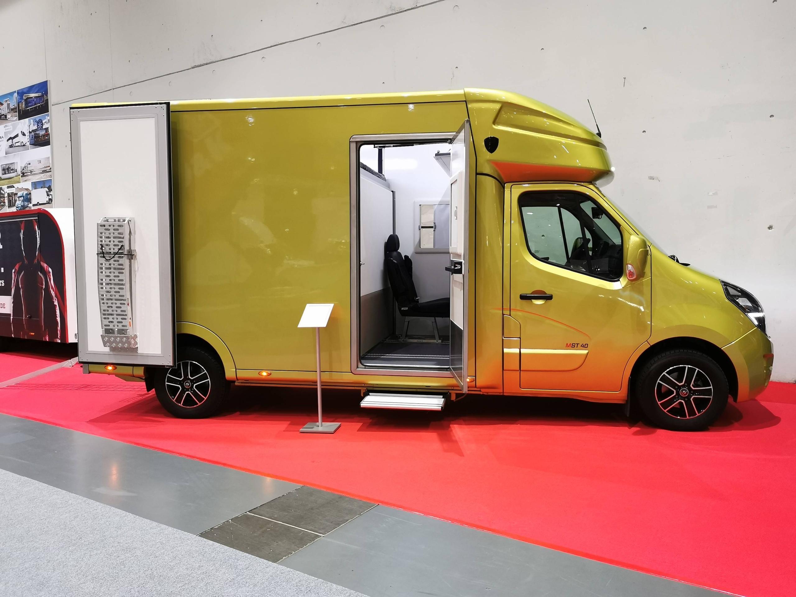 Spectra-mst40-3,5t-wohnmobil-reisemobil-2personen-autark-hubbett-garage